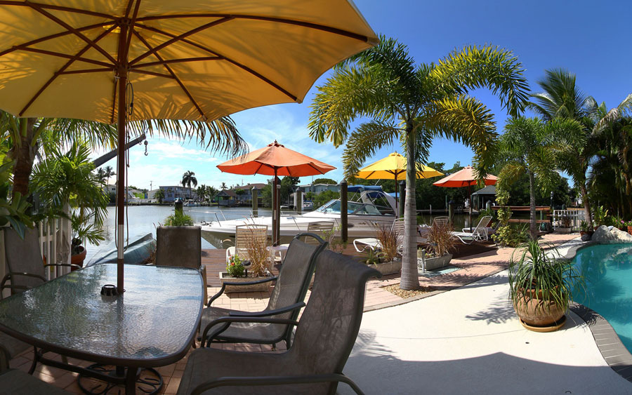 Manatee Bay Inn Water Front Bed And Breakfast Ft Myers Beach Fl