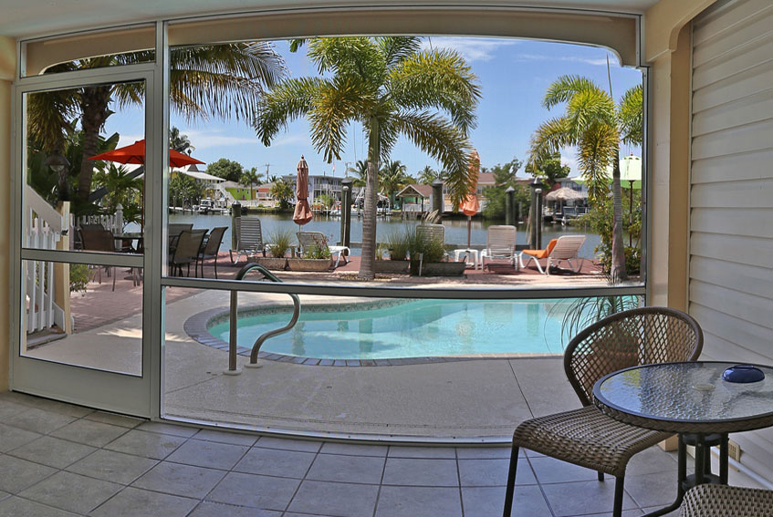 Manatee Bay Inn Water Front Bed And Breakfast Ft Myers Beach Florida