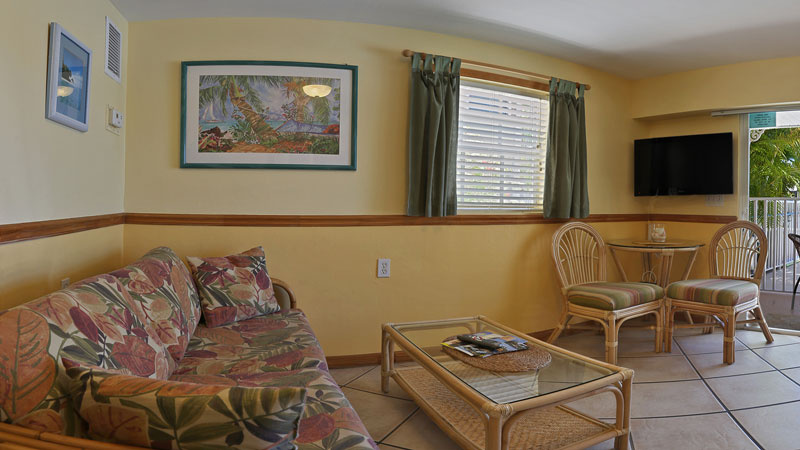 One bedroom apartment upstairs balcony room 5 manatee bay inn ft myers beach florida for One bedroom apartments fort myers